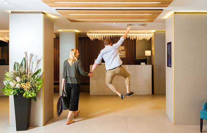 Holiday Inn Perth Foyer